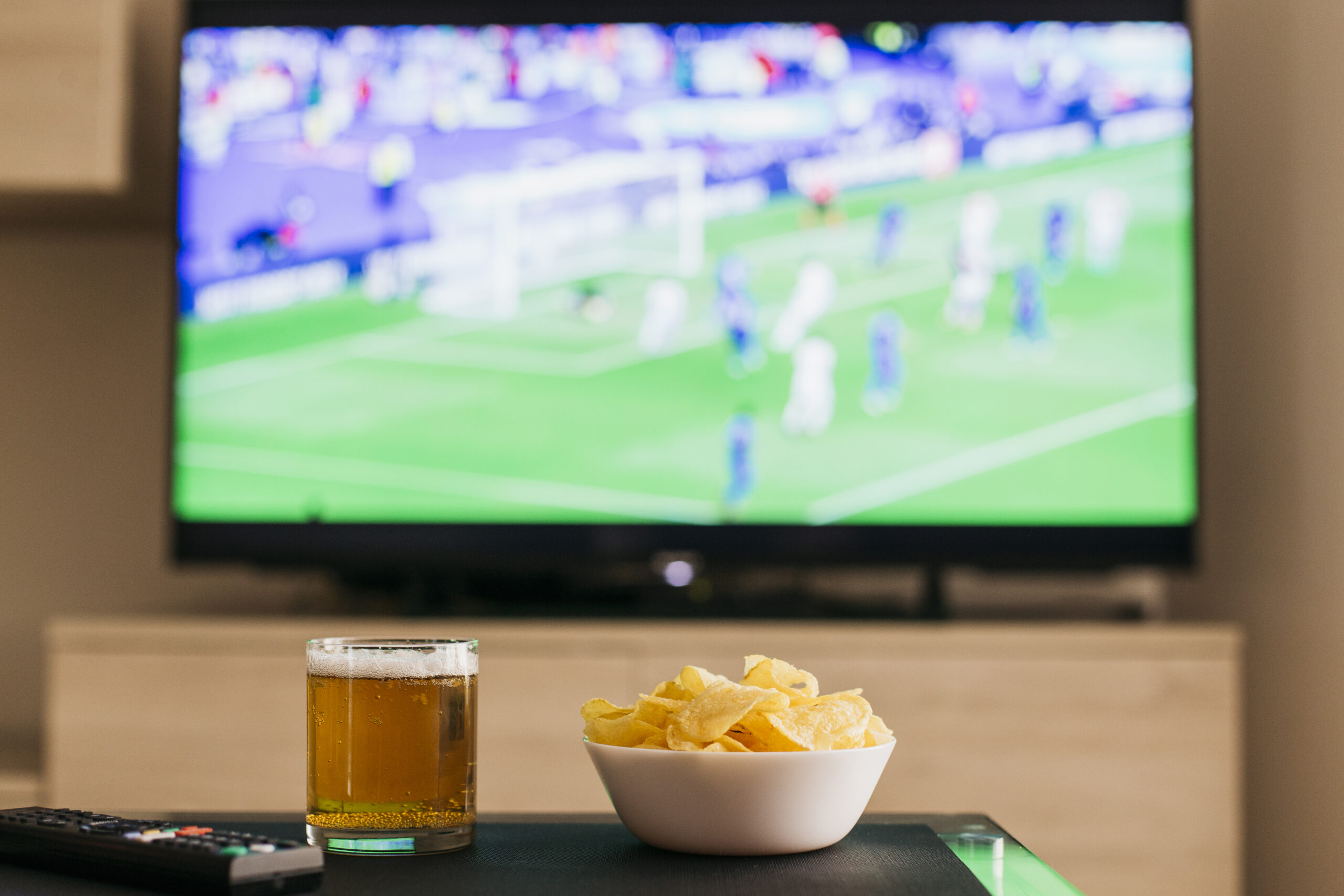 https://lemnosfc.gr/wp-content/uploads/2021/04/watching-football-concept-with-beer-chips-scaled.jpg